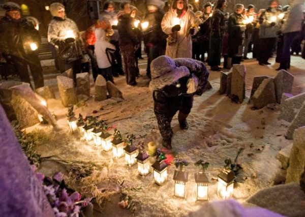 A vigil to honor the victims of the massacre at the Ecole Polytechnique.
